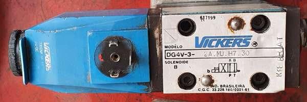 marca: VICKERS <br/>modelo: DG4V32AMUH730 <br/>estado: usada