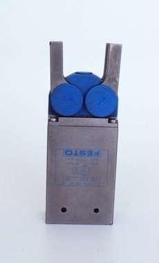 Garra pneumática (modelo: HCR-16-A)