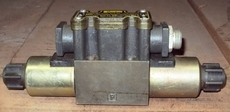 Válvula hidráulica (modelo: D1VW4CNJCF5675)