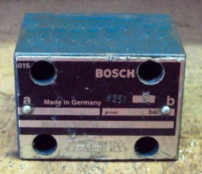 marca: Bosch <br/>modelo: 0810091203 <br/>estado: usada