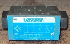 marca: Vickers modelo: DGMDC3YAKBK41 estado: usada