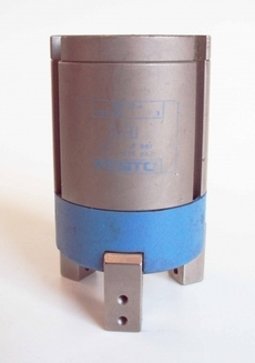 Garra pneumática (modelo: H0032A181837)