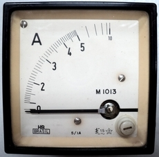 Amperímetro (escala: 10AMP)