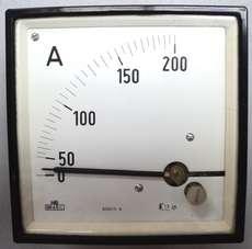 Amperímetro (escala: 200AMP)