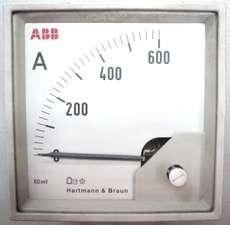 Amperímetro (escala: 600AMP)
