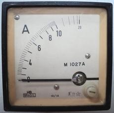 Amperímetro (escala: 20AMP)