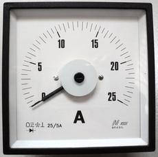 Amperímetro (escala: 25AMP)