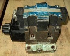 marca: Miller (Fluid Power) modelo: SWHG03B2A12010 Solenoid Operated Directional estado: usada