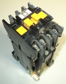 marca: Telemecanique modelo: CA2DN2229A60 24V estado: usado, testado