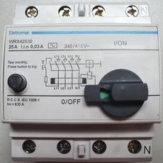 Disjuntor (modelo: WRX42530)