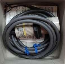 Sensor (modelo: E2KX15MF1)