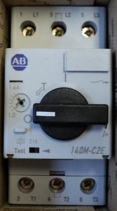 Disjuntor (modelo: 140MC2E)
