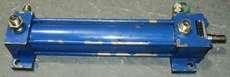 Cilindro hidráulico (modelo: CDT3MS240/18/200)