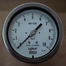 marca: Wika modelo: 10kgf/cm2 diametro: aprox. 13 cm estado: seminovo