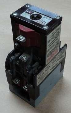marca: Cutler Hammer modelolo: D23MR402 estado: usado, antigo