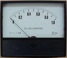 Amperímetro (escala: 1mAMP)