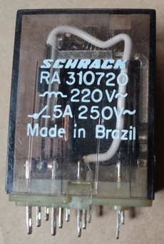 Rele (modelo: RA310720)