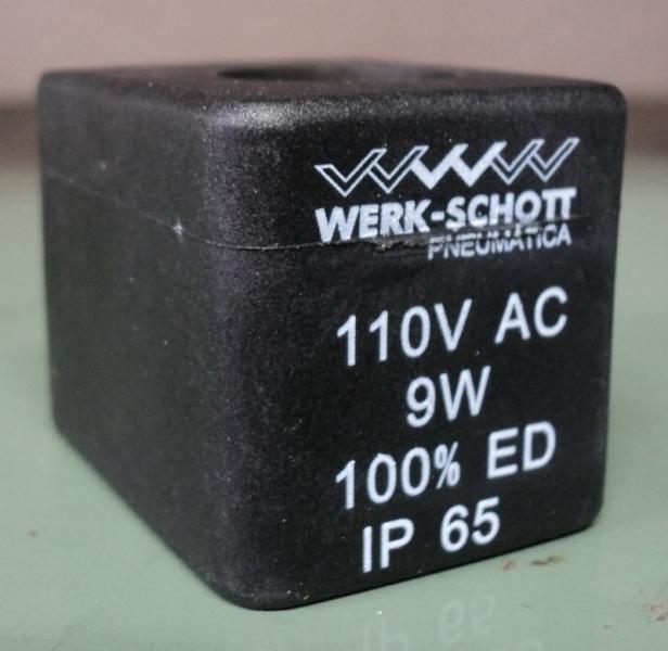 marca: WERK SCHOTT <br/>modelo: 110VAC9W 100% ED IP65 <br/>estado: nova