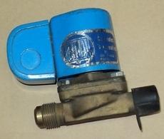marca: Eica modelo: ELR15T orifício15 110V 60Hz 8W estado: usada