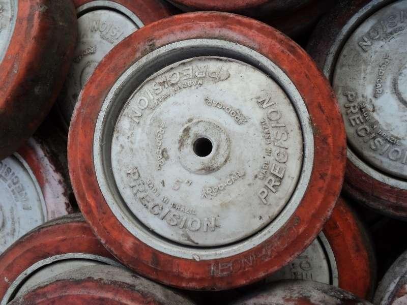 marca: Rod-Car <br/>modelo: Precision 5 polegadas <br/>estado: usada <br/>disponibilidade: muitas peças