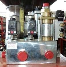Hydac Accessories: ventil block G1 DN15 DN25 3-fach Hydac Acessories: druckgest ventil 2/2 VA Hydac Acessories: coaxialventil NC 3/4 FKM/PTFE estado: componentes seminovos