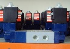 marca: Schrader Bellows modelo: A53024YS 5vias rosca1/4 bobinas110V 60Hz 8W estado: seminova EM PROMOÇÃO