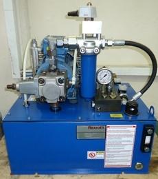 marca: Rexroth com motor elétrico trifásico WEG 1,5CV estado: nunca foi utilizada