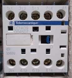 marca: Telemecanique modelo: LC1K09 0045D7 estado: novo, na caixa