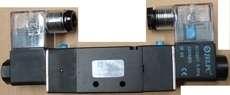 Válvula pneumática (modelo: 4V220-08)