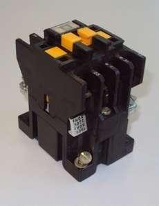 marca: Telemecanique modelo: CA2DN122 220V 60Hz estado: usado