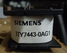 marca: Siemens modelo: 3TY7443-0AG1 para contator 3TF34, 3TF35, 3TF44, 3TF45 estado: usada, bom estado