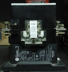 marca: Allen Bradley modelo: 100B180N*3 estado: usado