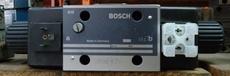 marca: Bosch modelo: 0810001735 estado: nova