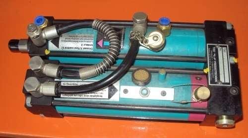 marca: Tox Pressotechnik <br/>modelo: K1505 <br/>estado: usado <br/>disponibilidade: 2 peças