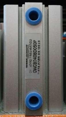 Cilindro pneumático (modelo: CWCB040BD050P)