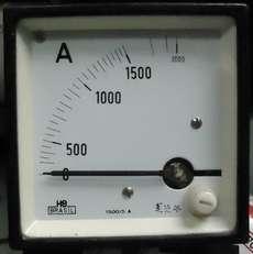 Amperímetro (escala: 1500AMP)