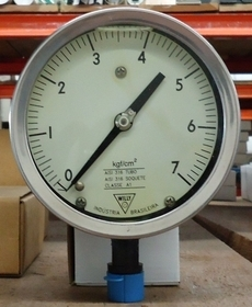 Manometro (escala: 7kgf/cm2)
