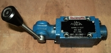 marca: Rexroth modelo: 4WMM6D53F direcional c/alavanca estado: usada