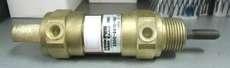 Cilindro pneumático (modelo: 3300-9910-150)