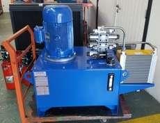 Unidade hidráulica com resfriador de óleo