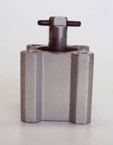 Cilindro pneumático (modelo: NCQ2A16-UIA97046)