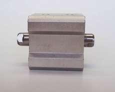 Cilindro pneumático (modelo: CQ2YB20-10D)