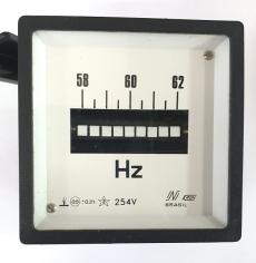 Medidor de frequência (escala: 58-62Hz)